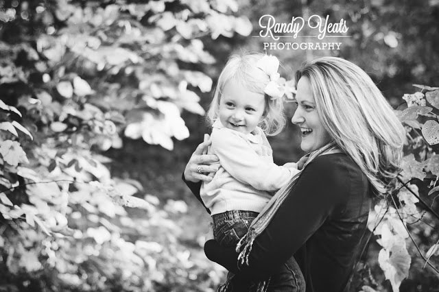 Randy Yeats Photography: December Mini, Mom and toddler daughter outside