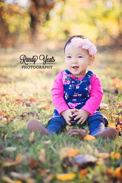 Randy Yeats Photography: December Minis, baby in grass